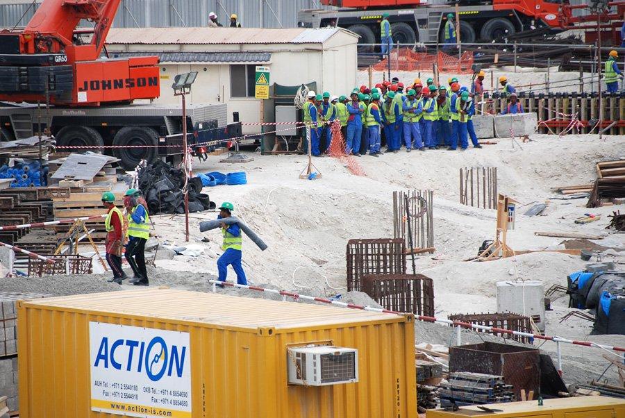 hans-haacke_saadiyat-island_museum-construction-site_2011_-hans-haacke_n765_w900